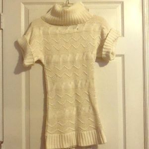 Sweaters - White/off white short sleeve sweater